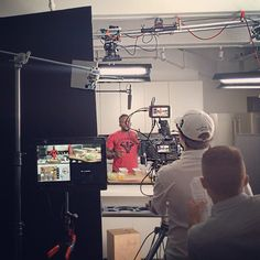 """#TBT to last week in NYC when I was filming my rap video on healthy cooking - look for the album to drop this fall and I'm really hoping that @djfunkflex adds some to the Hot 97 mix. You'll hear hits like """"PREP With Me You Know I Got It""""... Ok, so I was really filming some spots with @truvia and I'm excited to share some recipes with y'all soon. Late nights and early mornings - but you know, wouldn't trade it for the world. Boom. (traduccion abajo) #RetroJueves de la semana pasada en Nueva…"""
