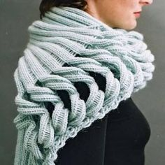 i love these lines.  i wonder if i could knit this?