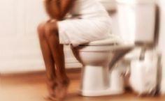 Smettete di usare tutte quelle pomate e supposte pericolose, tutto ciò che serve per le emorroidi è un rimedio della Nonna. Si tratta di una soluzione semplice e sicura, poco costoso e in grado di alleviare per davvero la vostra condizione dolorosa. Ci sono molte ragioni per cui le persone sono colpite da emorroidi. Una delle principali cause è la tensione, di solito dall'avere movimenti intestinali, ma non sempre. Molte donne sperimenteranno il loro primo attacco di emorroidi dopo il…