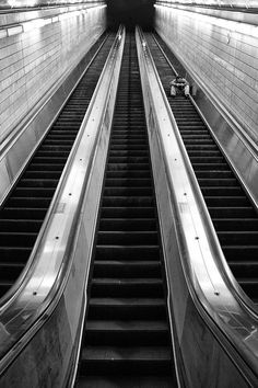 Inspiring, Thrilling & Expressive Black And White Photography by Brian Day — Photography Office Black And White Picture Wall, Black And White City, Black And White Aesthetic, Black And White Pictures, Photography Office, Photography Essentials, City Photography, White Aesthetic Photography, Black And White Photography