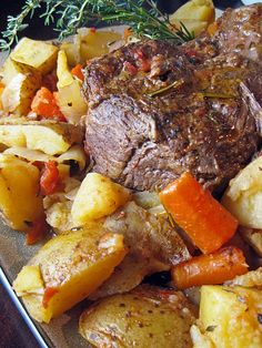 Beef Pot Roast with Vegetables ~ This recipe sounds awesome I think I'll try it this weekend!