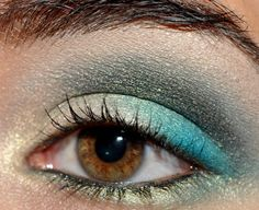 Blue eye makeup is so in this year.