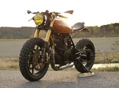 Tux customs XL600R Cafe Cross 1