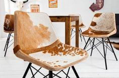 Świetne, niecodzienne krzesło w stylu country dla osób, które lubią nietypowe meble w swoich mieszkaniach. Krzesło jest wykonane z ogromną precyzją, a połączenie skóry naturalnej i żelaznej ramy sprawia, że mebel jest jeszcze bardziej wyjątkowy!