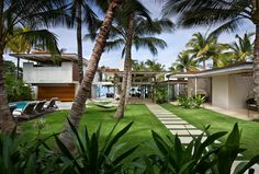 Amazing Tropical Residence Design in Maui Hawaii by Pete Bossley Architects : Large Back Yard Tropical House Design In Maui By Pete Bossley Architects