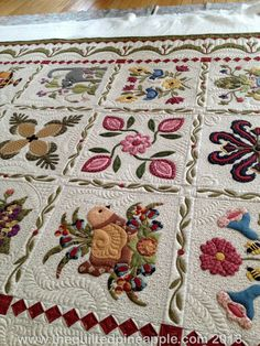 THE QUILTED PINEAPPLE - Baltimore Album Quilt. Modern appliqué. Love the sashing and the border