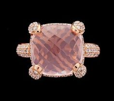 RING, rose quartz and brilliant cut diamonds, 18k pink gold
