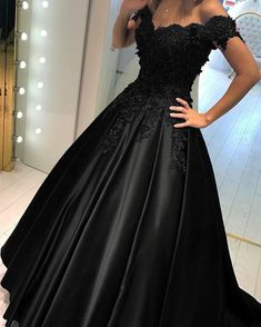 Elegant Lace Off Shoulder Prom Dresses Long Evening Gowns 2020 – alinanova Grad Dresses, Black Wedding Dresses, Black Evening Dresses, Evening Gowns, Formal Dresses, Ball Gowns Prom, Ball Dresses, Quince Dresses, Applique Wedding Dress
