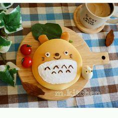 Totoro pancake by meeeegu-☆ (@gomasan___7)