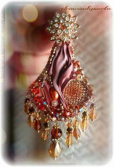 Shibori earrings pearlsglass beads swaroski por ElrincondePuerto