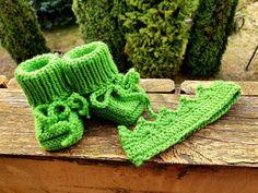 🧶💚🧶💚🧶 Merino Wool Socks, Knitted Slippers, Head Accessories, Baby Booties, Knitting Socks, Etsy Seller, Handmade Items, Booty, Creative
