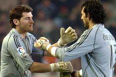 Casillas sau Diego Lopez? Soccer, Baseball Cards, Sports, Saints, Iker Casillas, Hs Sports, Futbol, European Football, European Soccer
