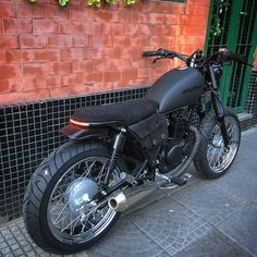 mentions J'aime, 43 commentaires - Cafe Racers Brat Motorcycle, Tracker Motorcycle, Moto Bike, Cafe Bike, Cafe Racer Bikes, Cafe Racer Build, Cafe Racer Seat, Suzuki Cafe Racer, Intruder 125 Cafe Racer