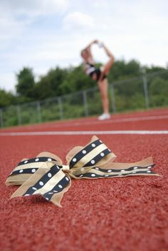 Senior cheer picture ideas