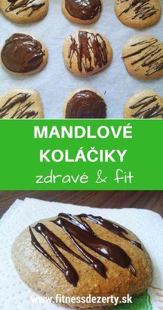 Jednoduché a zdravé mandľové koláčiky s horkou čokoládou.