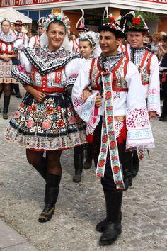 Kroj ze Svatobořic-Mistřína. Slovácký rok Kyjov Caucasian Race, Costumes Around The World, World Thinking Day, Folk Embroidery, Folk Costume, My Heritage, People Of The World, Ethnic Fashion, Beautiful Patterns
