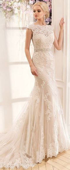 Lavish Tulle & Satin Bateau Neckline Mermaid Wedding Dresses With Lace Appliques