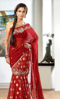 One among the few known for beauty in saree, is Nayanthara in Saree. Here are a few mind-blowing pictures of Nayanthara in saree that you can try too. Indian Dresses, Indian Outfits, Nayanthara In Saree, Simple Sarees, Sari Blouse Designs, Saree Look, Most Beautiful Indian Actress, Indian Beauty Saree, South Indian Actress
