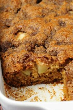 Light and fluffy vegan apple cake with a cinnamon sugar topping. Packed with fresh apple flavor and absolutely divine served warm with vegan whipped cream. Healthy Apple Cake, Vegan Apple Cake, Easy Apple Cake, Fresh Apple Cake, Apple Cake Recipes, Apple Desserts, Vegan Cake, Vegan Desserts, Vegan Recipes