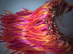 Rouge et orange avec grelots http://www.alittlemarket.com/boutique/baguetteruban #rubans #mariage