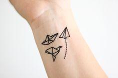 Temporäre Origami Tattoos // temporary origami tattoo via DaWanda.com