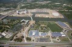 Latest aerial shot of #Baylor's McLane Stadium, with new track facility, law school, museum and athletic complexes bordering the Brazos River. #SicEm