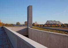 2 semesters  150 entradas  150 posts 2 semestres Crematorium Uitzicht . Kortrijk     SumProject  . photos:  © RienEnVue  . © Artemise, Furni...