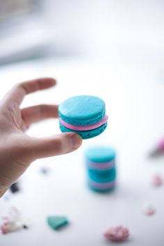 Tips I Learned By Deep Googling And Crying For Help: How To Make Macarons french macaron tips and tricks – coco cake land No Bake Desserts, Just Desserts, Delicious Desserts, Dessert Recipes, Tips And Tricks, Cake Land, How To Make Macarons, Making Macarons, Macaroon Cookies