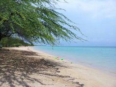 Combate Beach: nice water, west coast