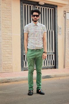 who said men can't rock colors. just balance the bright and the dull and you're good to go :-) — White Geometric Shortsleeve Shirt — Green Chinos — Black Woven Leather Sandals Green Chinos, Black Leather Sandals, Men Looks, Mens Clothing Styles, Summer Wear, Street Wear, Menswear, Mens Fashion, How To Wear