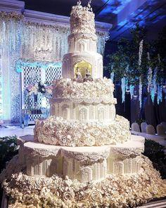 """355 Likes, 2 Comments - LeNovelle Cake (@lenovellecake) on Instagram: """"Wedding dessert table for #bonnyandjeane  #lenovelle #lenovellecake #lenovellebali #desserttable…"""""""