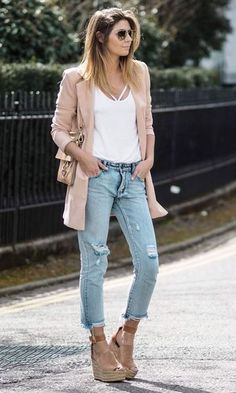 Looks Anabela Neutra + Cropped Jeans