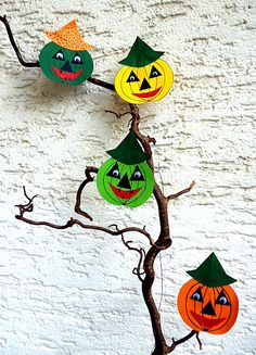 Gespenster aus Papier und Wolle - Halloween-basteln - Meine Enkel und ich