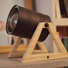 Holzleuchte: 75 Holzleuchte: 75 - Luminária de madeira: 75 ideias criativas e como fazer Holzleuchte: 75 kreative Ideen und Vorgehensweisen Diy Luz, Luminaria Diy, Diy Luminaire, Wood Lamps, Creative Decor, Creative Design, Lamp Light, Diy Light, Desk Lamp