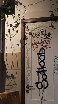 Aesthetic Themes, Aesthetic Grunge, Aesthetic Art, Aesthetic Pictures, Aesthetic Backgrounds, Aesthetic Wallpapers, Graffiti Art, Graffiti Tagging, Graffiti Lettering