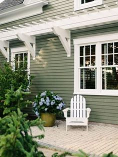 Exterior house color ideas exterior green house colors image of cute modern house color schemes exterior Cottage Exterior Colors, Exterior Color Schemes, Exterior Paint Colors For House, Paint Colors For Home, Exterior Design, Paint Colours, Exterior Siding, Green Exterior Paints, Cafe Exterior