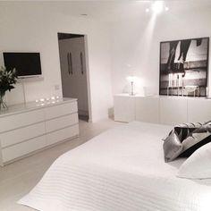 40 Top IKEA Bedroom Design 2017 Inspirationsvhomez Page 14 White Bedroom Set, Bedroom Sets, Home Bedroom, Master Bedroom, Trendy Bedroom, Master Suite, White Room Decor, Modern Bedrooms, White Rooms