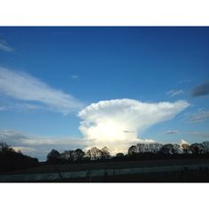 Whilst driving down the a23 I saw this magnificent anvil cloud. Fantastic!