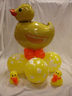 ducky balloons Baby Shower Duck, Rubber Ducky Baby Shower, Baby Showers, Baby Ballon, Baby Shower Balloons, Balloon Ideas, Balloon Designs, Balloon Party, Balloon Centerpieces