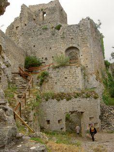 Château de Puilaurens. le donjon. Aude