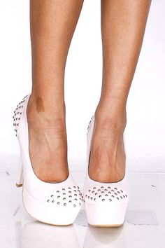 NUDE FAUX SOFT LEATHER STUDDED PUMPS HEELS <3