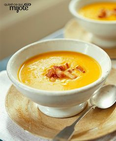 Take butternut squash soup up a notch with the addition of flavourful bacon. Ready in less than hour, this easy, seasonal soup is one you'll look forward to savouring this fall. Tap or click photo for this Butternut Squash Soup with Crispy Bacon Crispy Bacon Recipe, Bacon Recipes, Soup Recipes, Cooking Recipes, What's Cooking, Easy Recipes, Recipies, Cuisine Diverse, Butternut Squash Soup