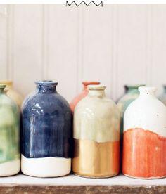 Ces petits vases de Honeycomb Studios nous démontre que la beauté de trouve bien souvent dans les projets simples!