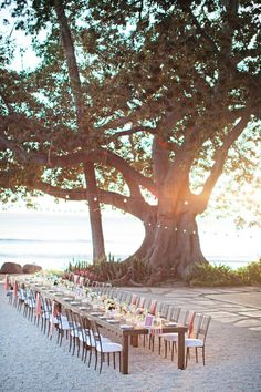 Beach in Maui - hello, lovely. Via Style Me Pretty