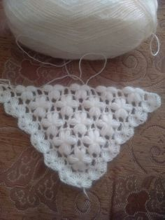 Nice white shawl made with crochet i wanting share with you.This Pin was discovered by Tuğ Granny Square Crochet Pattern, Crochet Stitches Patterns, Crochet Motif, Crochet Shawl, Crochet Lace, Knitting Patterns, Love Crochet, Crochet Flowers, Herringbone Stitch Tutorial