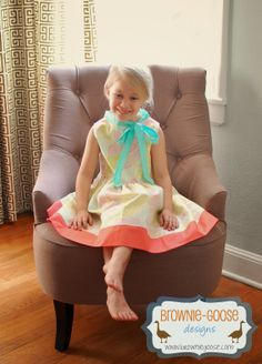 brownie-goose: Lazy Susan Tutorial: how to add a bow to the neckline