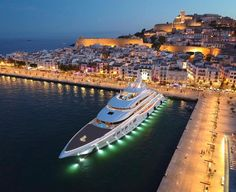 Mega Yacht in Monte Carlo, Monaco