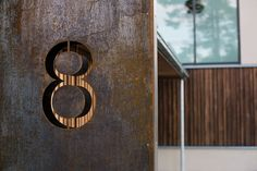 -detail corten cut-out Villas, Door Handles, Sign, Detail, Architecture, Home Decor, Modern, Door Knobs, Arquitetura