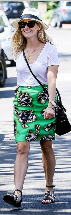 Reese Witherspoon: Skirt – Jonathan Saunders  Shoes – Proenza Schouler  Purse – Reed Krakoff