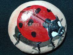 Piedra Ladybug pintado a mano / arte rupestre / jardín piedra / arte de la yarda / peso de papel / Flower Pot decoración / gran Navidad rega...
